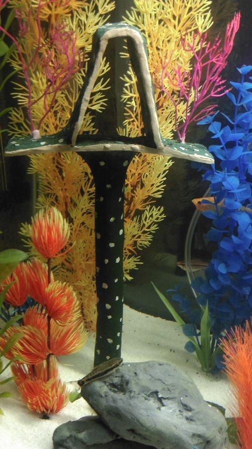 Diy aquarium decor my aquarium club for Aquarium decoration paint